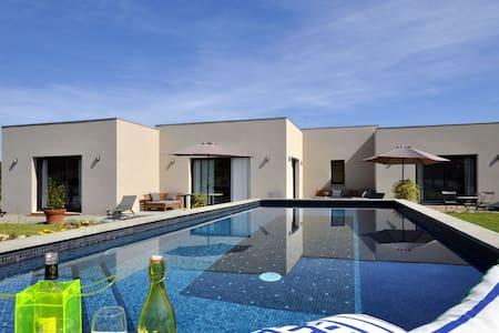 Belle villa contemporaine