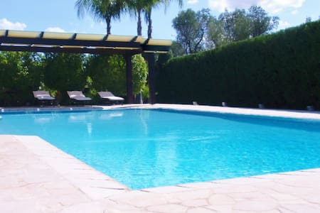 Private Luxury Villa with Garden, Pool & Wifi. - Francavilla Fontana - Rumah