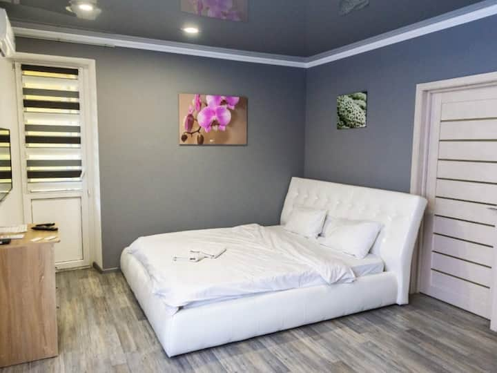 Kyiv, Copernica street, new 1 room apartment