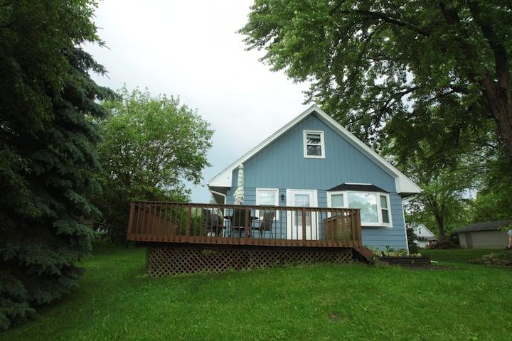 Lake Country Living—Pewaukee