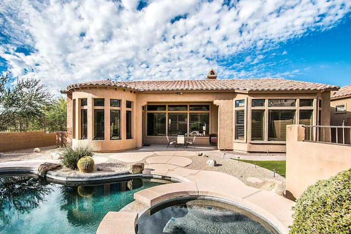 Luxury Home In Golf Community w/Pool and Hot Tub