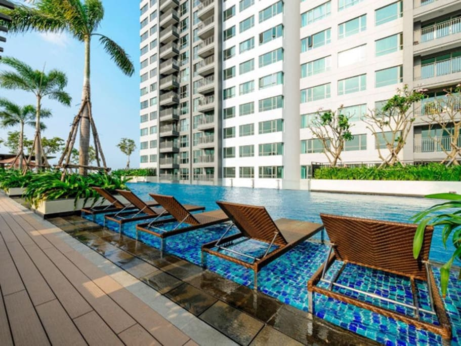 Our apartment in Tower 5, straight n closest way to swimming pool and bbq garden