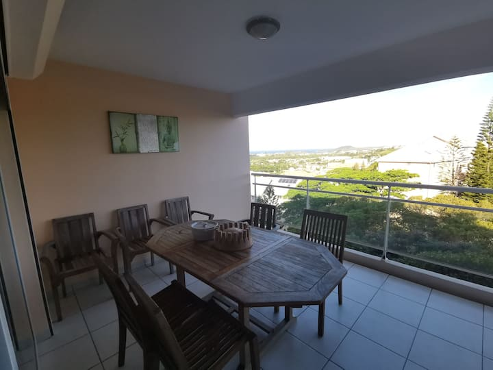 2 rooms flat on heights of Nouméa