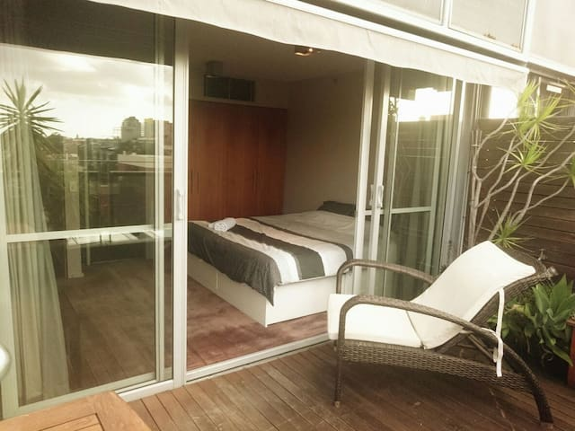 Modern master room next to Harbour! - Pyrmont - Apartamento