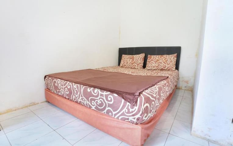 Comfort Room near Tugu Lilin Ampel Boyolali - Ampel - Dům
