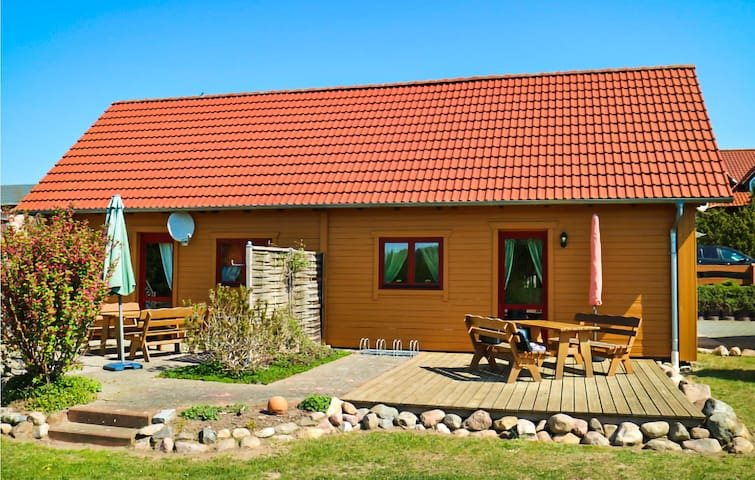 Nice home in Klink-Sembzin with WiFi and 2 Bedrooms
