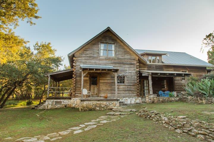 Cabin 71 - 斯帕斯伍德(Spicewood) - 小木屋
