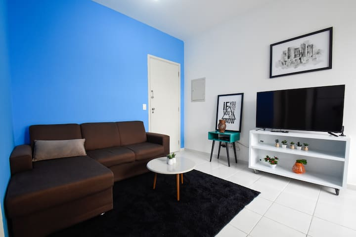 Versatile 2 bedroom with 24h lobby in Sta. Cecilia
