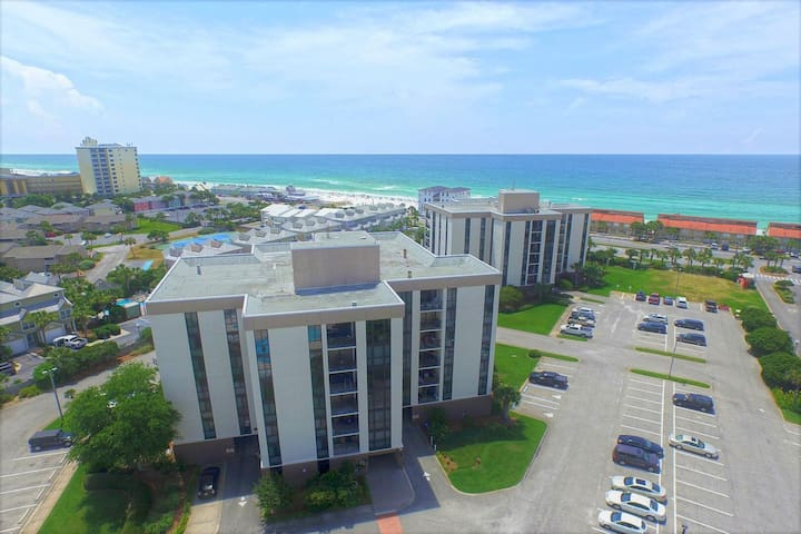 Beach Dreams@Enclave | Tennis & Volleyball | Great Rates | Steps to Deeded Beach