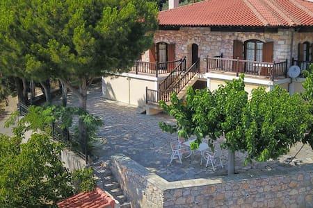 Nerotrivia stone house