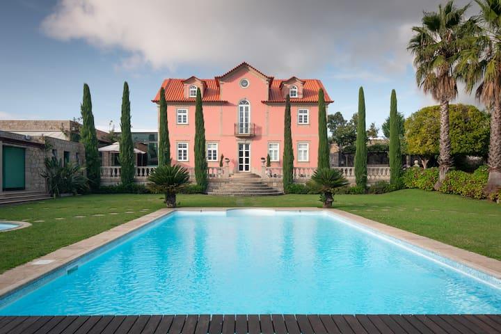 Quinta Bica da Cruz  (Full mansion)