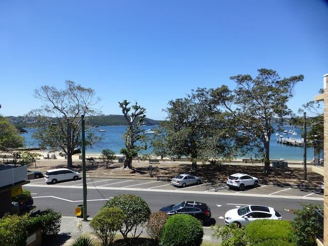 Relaxing Holidays on Balmoral Beach