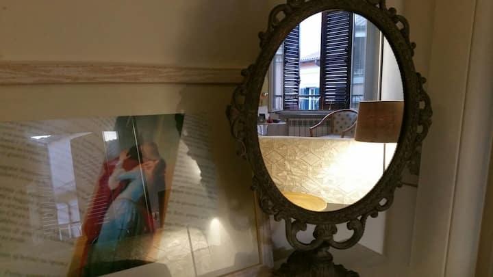 La Finestra Sul Vicolo (Appartamento a Frascati)