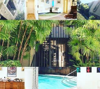 Midcentury Modern MadMen Apartment - South Pasadena