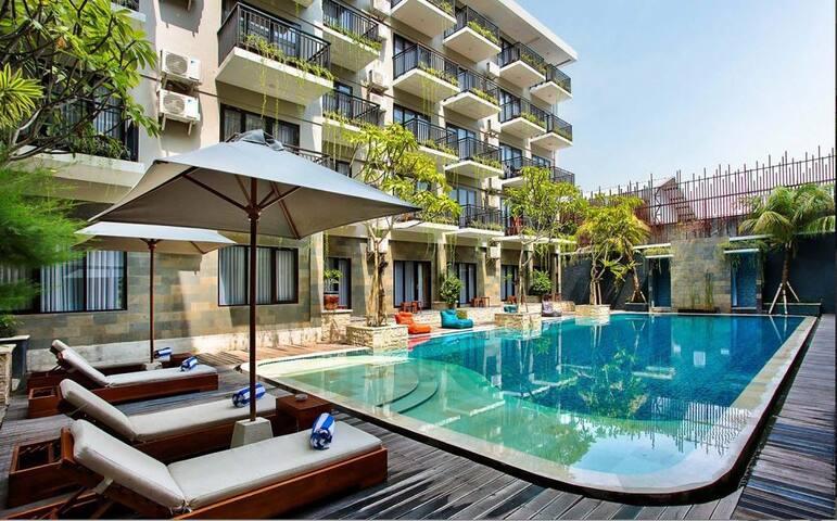 Deluxe Double Room Only City View @Rofa Kuta Hotel