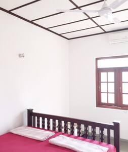 Nice double room with bathroom - Bed & Breakfast