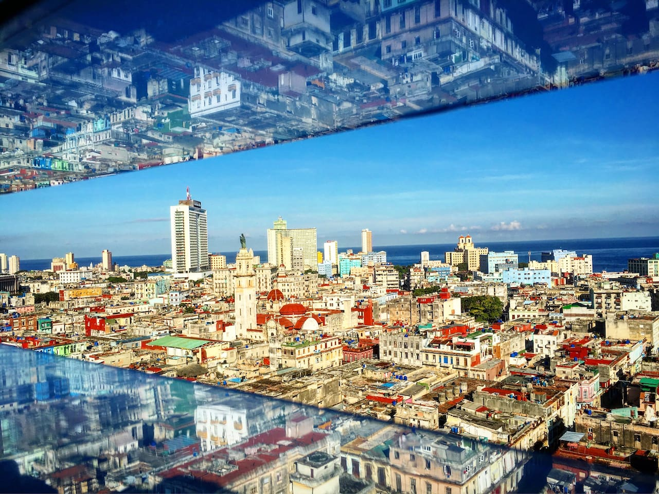 Vista de la parte frontal del apartamento..La Habana a sus pies