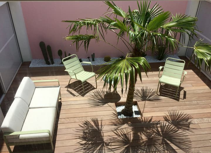 Biarritz : spacieux Loft avec piscine et patio.