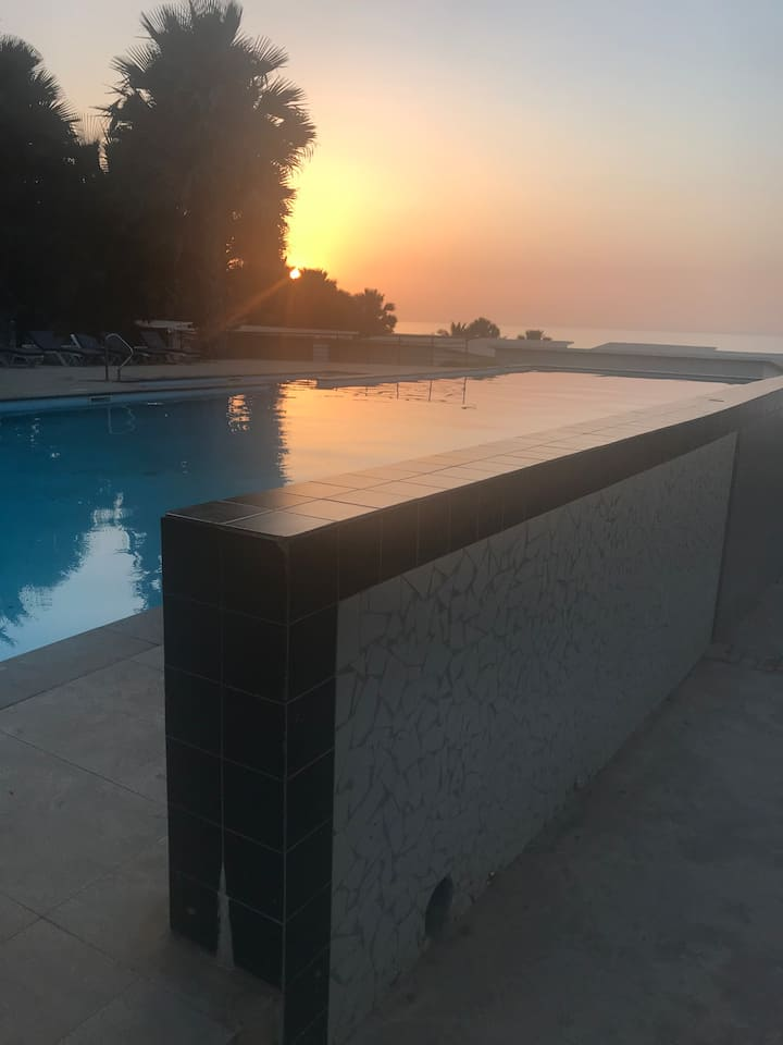 Beautiful fully furnished Oceanfront 2 bedroom Apt