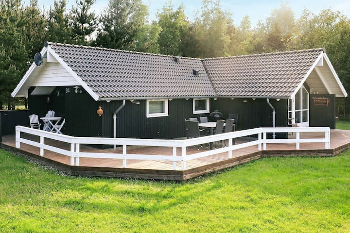 Modish Holiday Home in Hojslev with Sauna