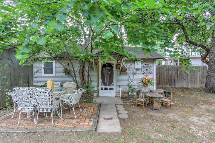 New! 1BR Waxahachie House w/ Private Yard & Patio!