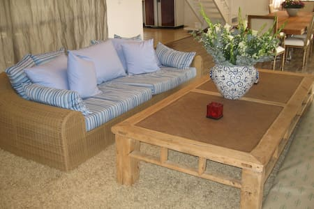 villa with pool in best location - Arsuf