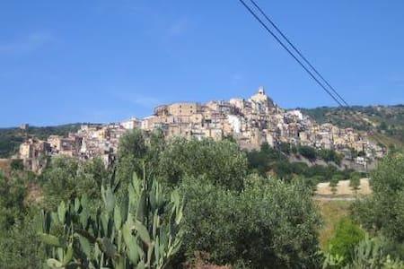 In borgo medievale vicino al mare - Badolato - Daire