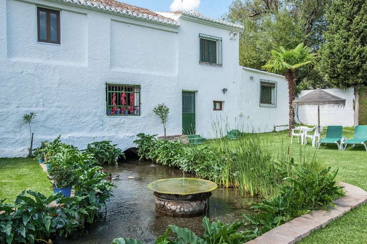 Rustic Cottage in El Padul only 20 Minutes from the City Centre