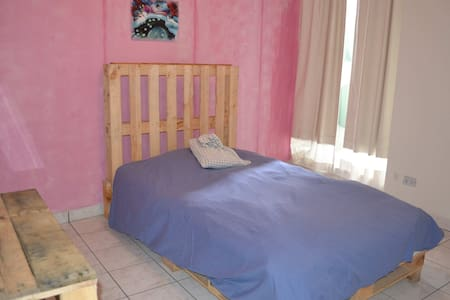 Nice pink room in zone 10 Guatemala