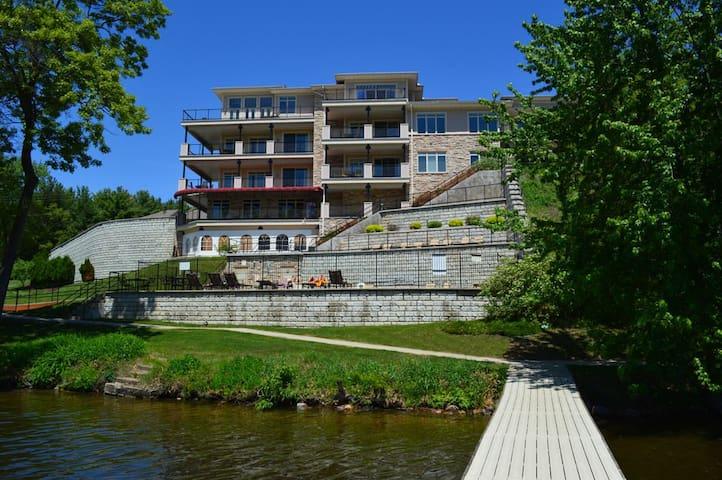 Lakefront 3Br at #1 Resort! 312