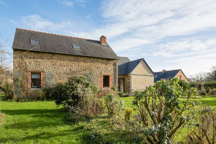 La ville briand - Dingé - Bed & Breakfast