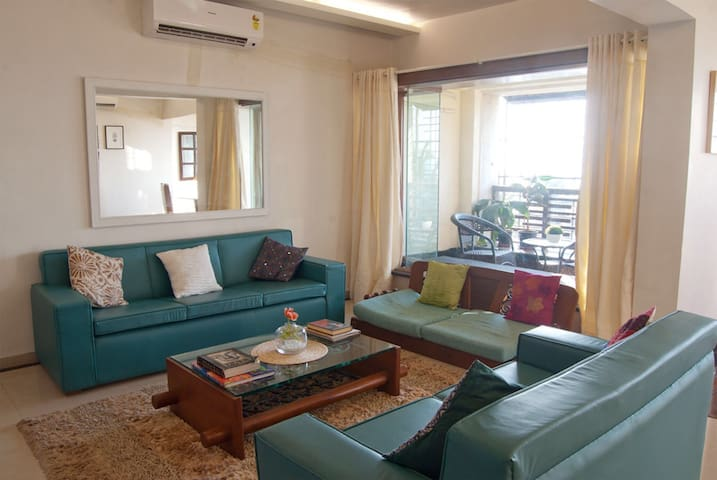 Seafront Haven in bandra - room 2