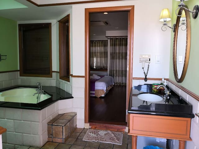 Lexis PD Upper Deluxe Room private Unit