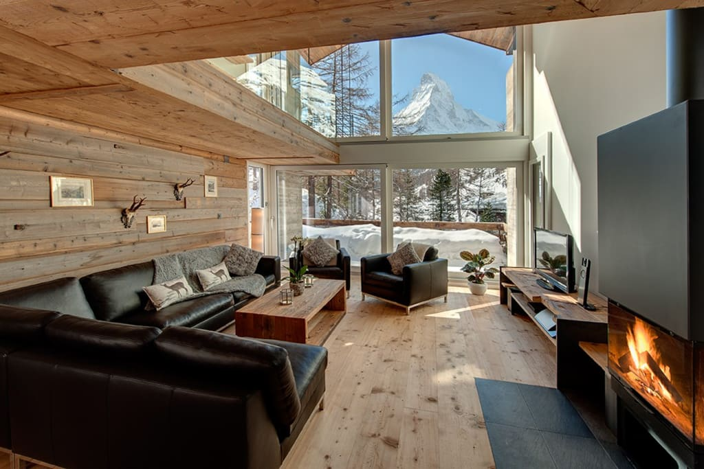 Lounge with stunning Matterhorn view.