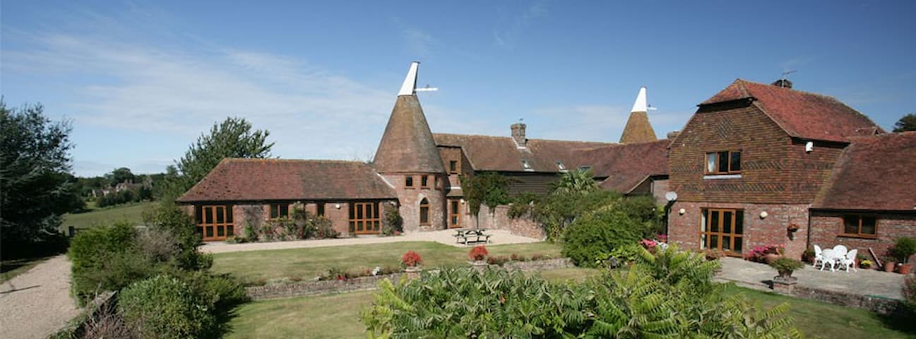 Oast House near Battle - Battle - Rumah