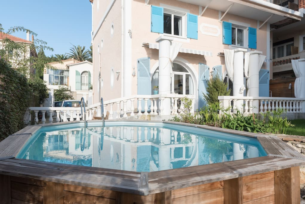 Rez de villa jardin piscine vue mer houses for rent in toulon provence alpes c te d 39 azur france - Piscine debordement mer toulon ...