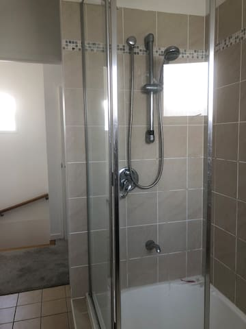2nd bathroom with shower over bath