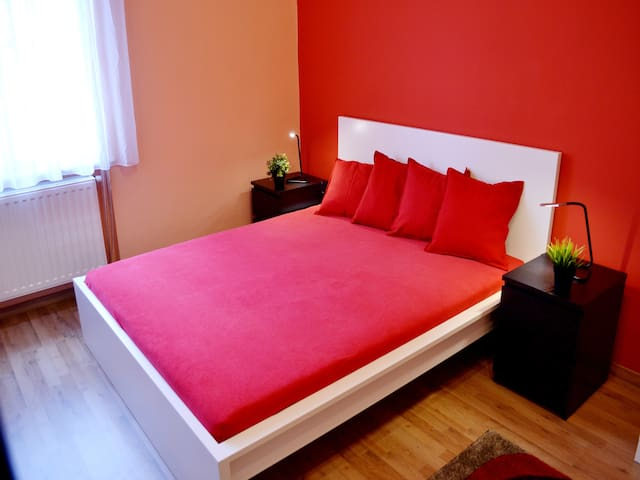 Cleopatra–Charming flat in Budapest - Budapest - Apartment