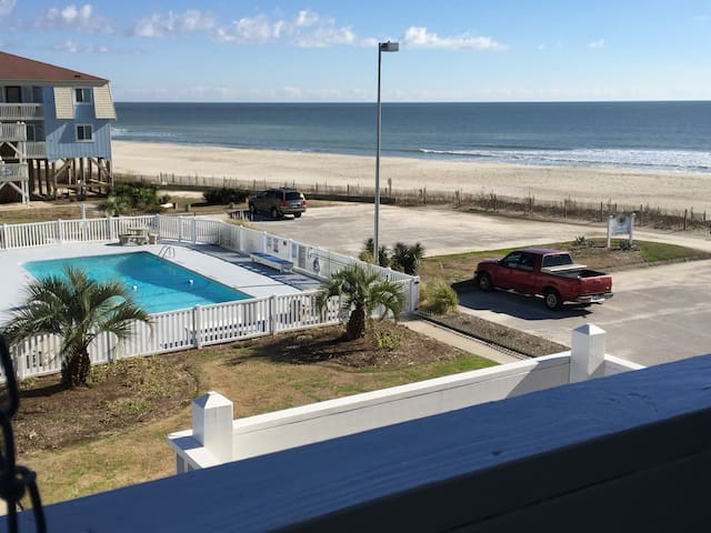 OIB Oceanfront 2BR/2Bth Condo/pool - Ocean Isle Beach - Appartement