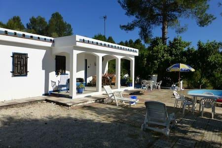 Villa calme en pleine campagne ... - Benigànim
