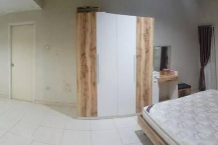 FULL HOUSE FOR RENT IN MAKASSAR, INDONESIA