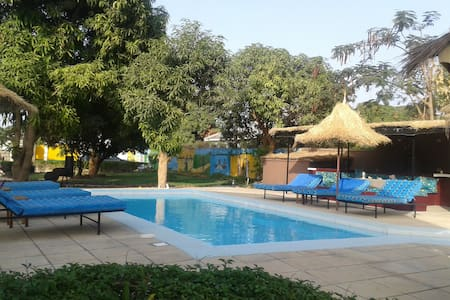 Oasis Relax Lodge - Serrekunda - Bed & Breakfast