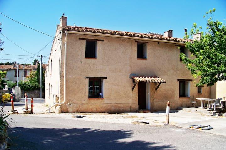 studio le Garlaban château-gombert Marseille