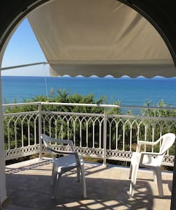 Balcony on the sea 2 in Ag.Georgios - Corfù - Apartament