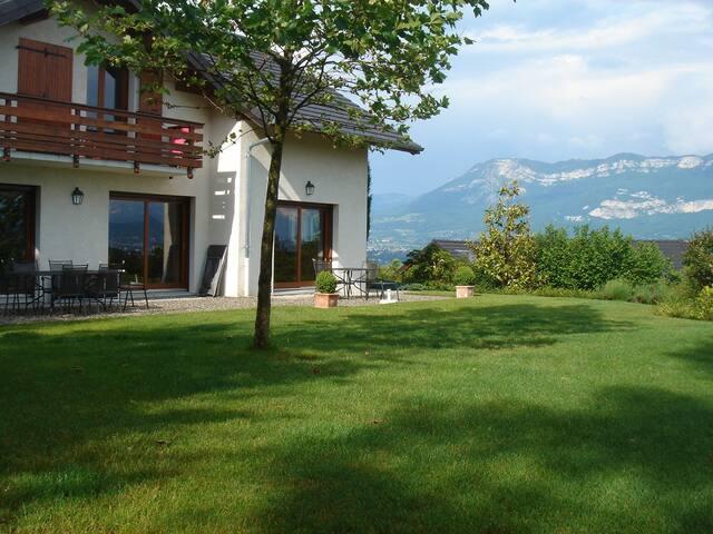 Villa vue magnifique lac & montagne