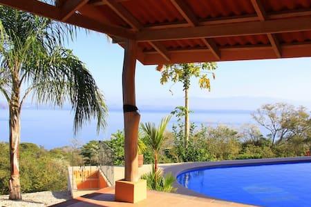 Beach view luxury 3 BR villa & pool - Playa Naranjo - Villa