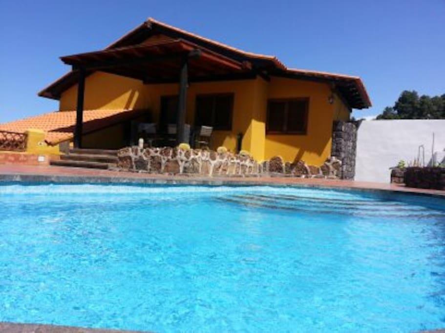 Casa la chosita con piscina privada casas en alquiler en for Casa con piscina privada alquiler