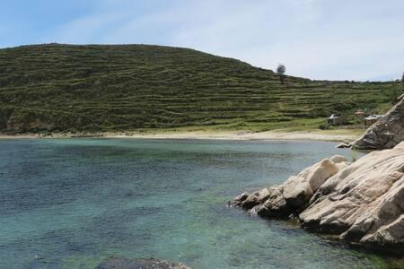 Cabaña en Isla del Sol, lado norte.( 6 personas )