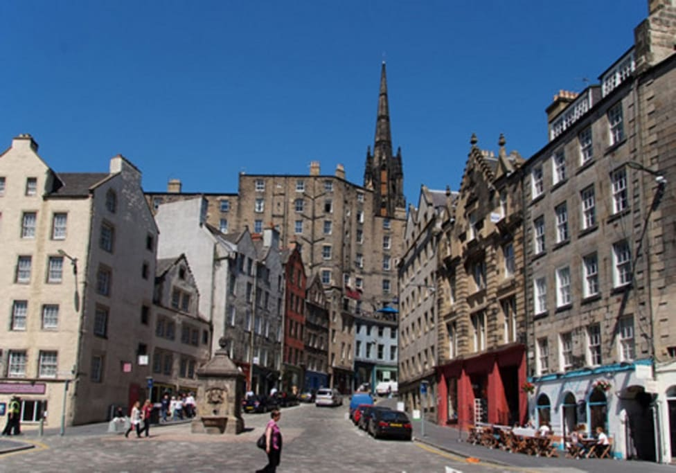 In the heart of the hustle and bustle of the Grassmarket.