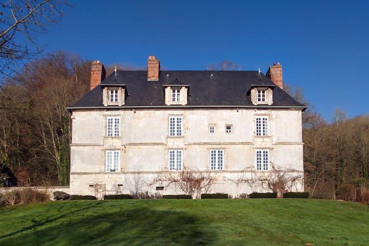Room in 16th century manor - Villequier - 家庭式旅館